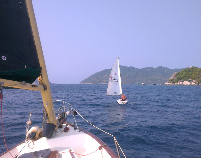 Discover Dinghy Sailing Course observed from Yacht Returning from Ang Thong